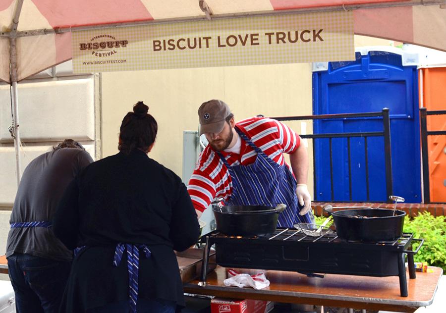Biscuit Love Truck tent
