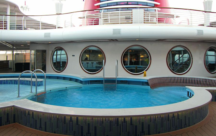 The-Quiet-Cove-Pool-2