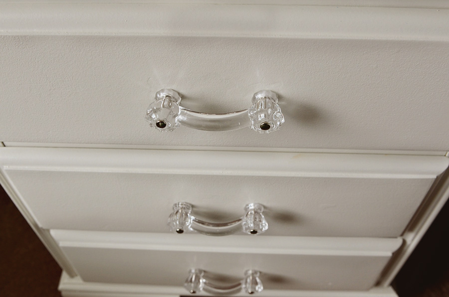 nightstand-new-knobs-3