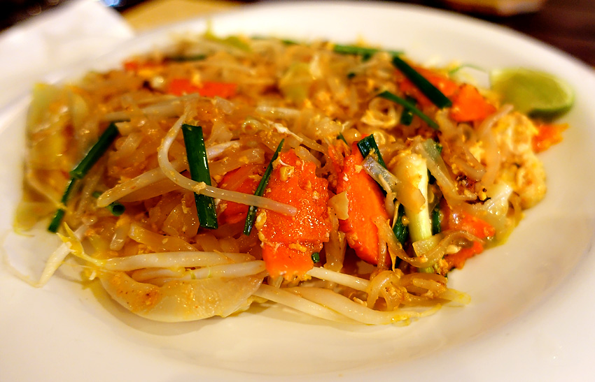 annas-restaurant-pad-thai