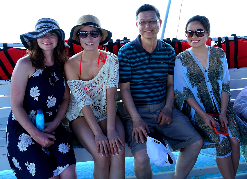 kara-cindy-wendy-dad-sea-canoe-excursion