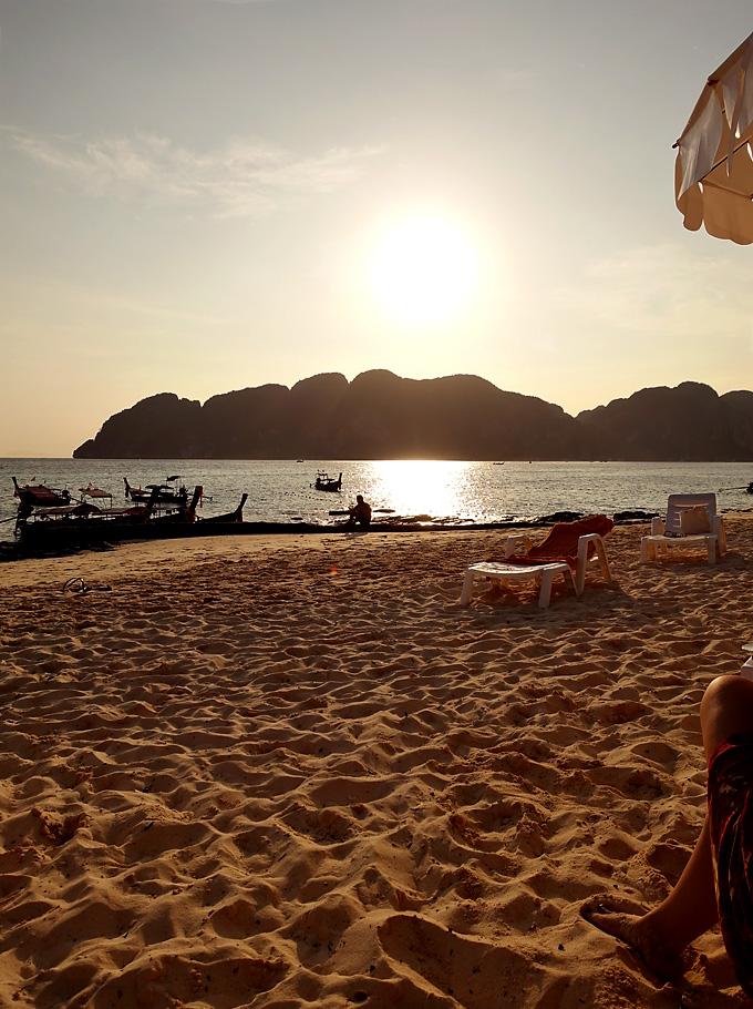 phi-phi-the-beach-resort-beach