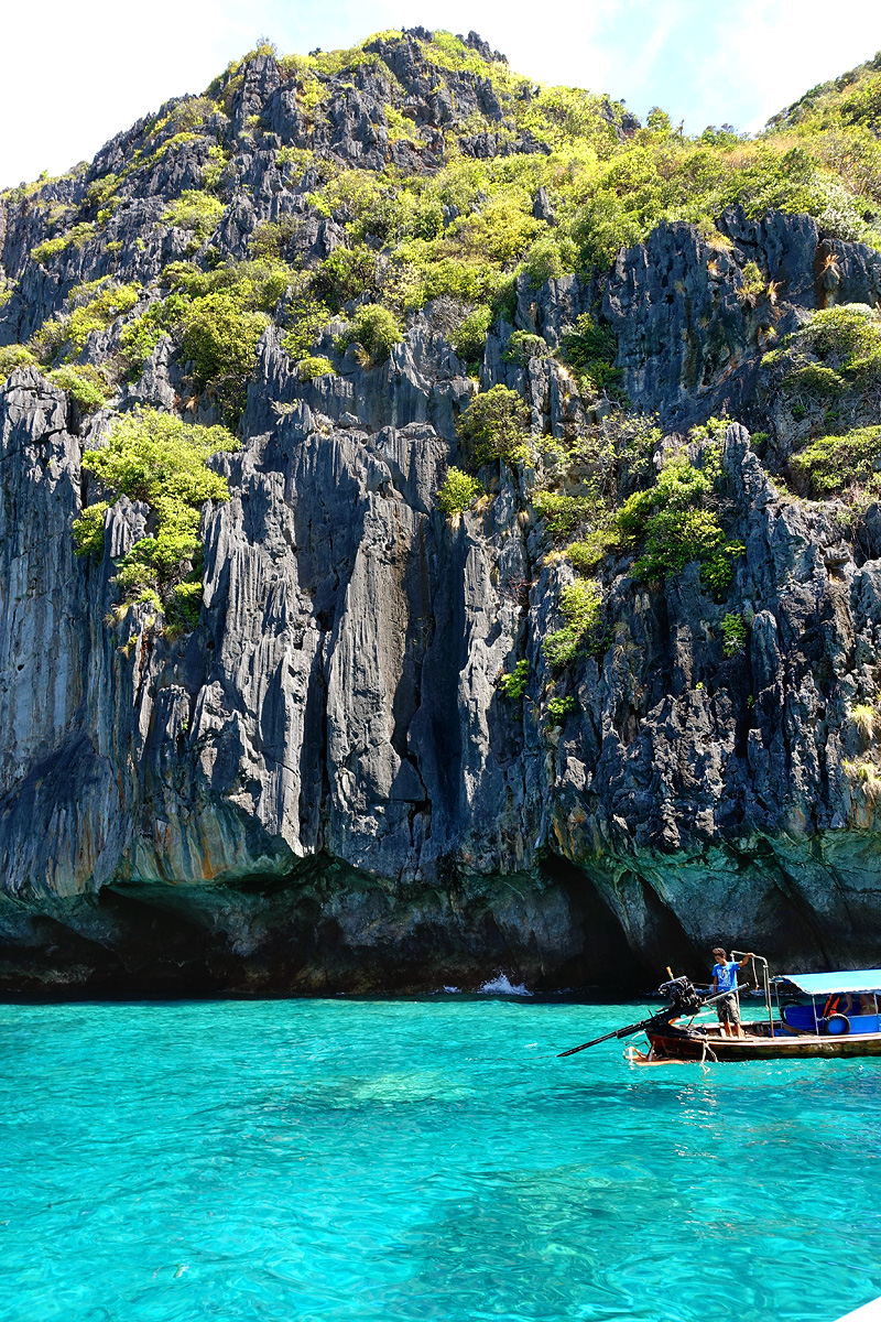Phi-Phi-Maya-Bay-snorkeling-01