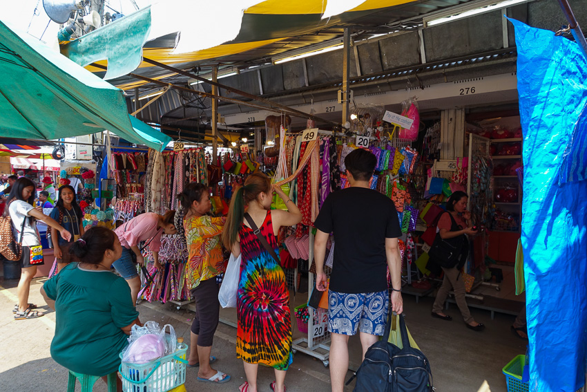 chatuchak-weekend-market-clothing