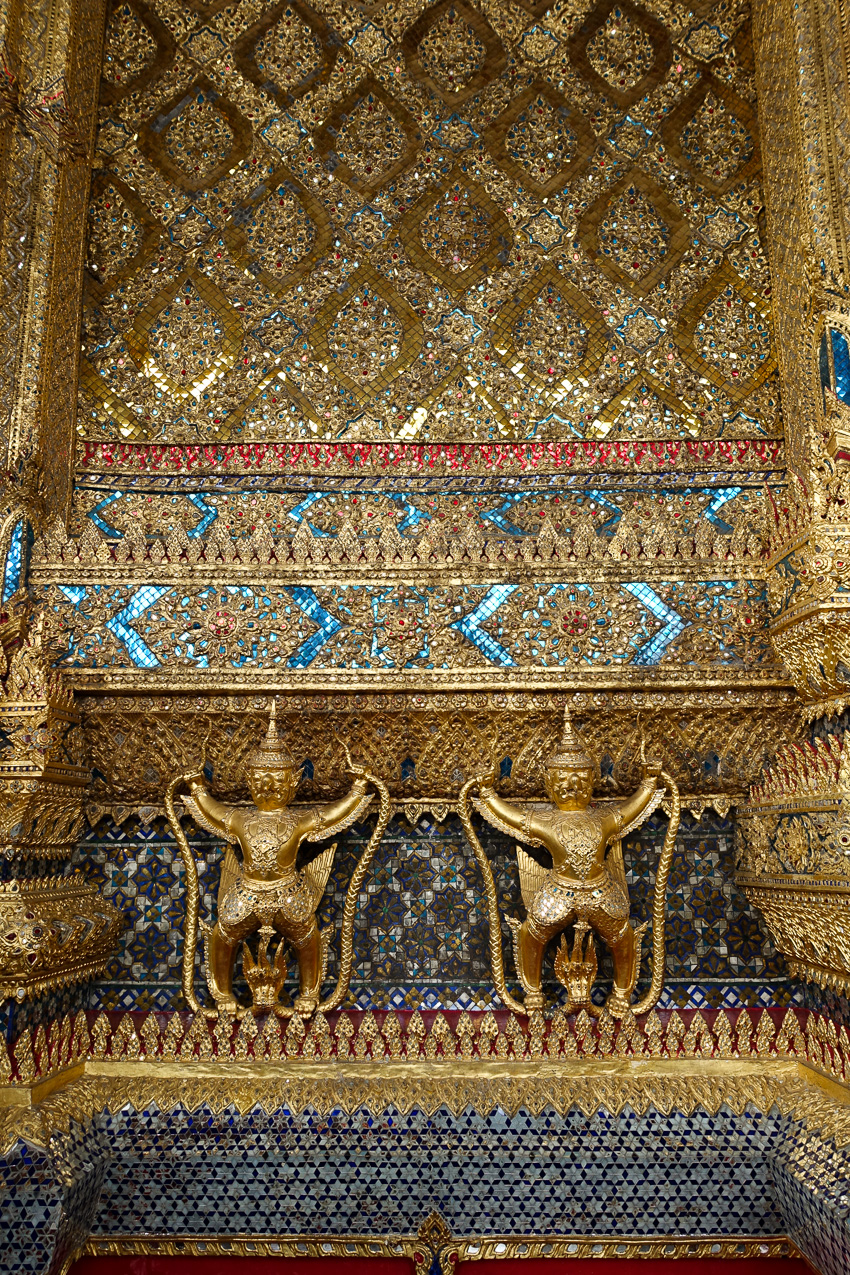 temple-of-the-emerald-buddha-exterior-details