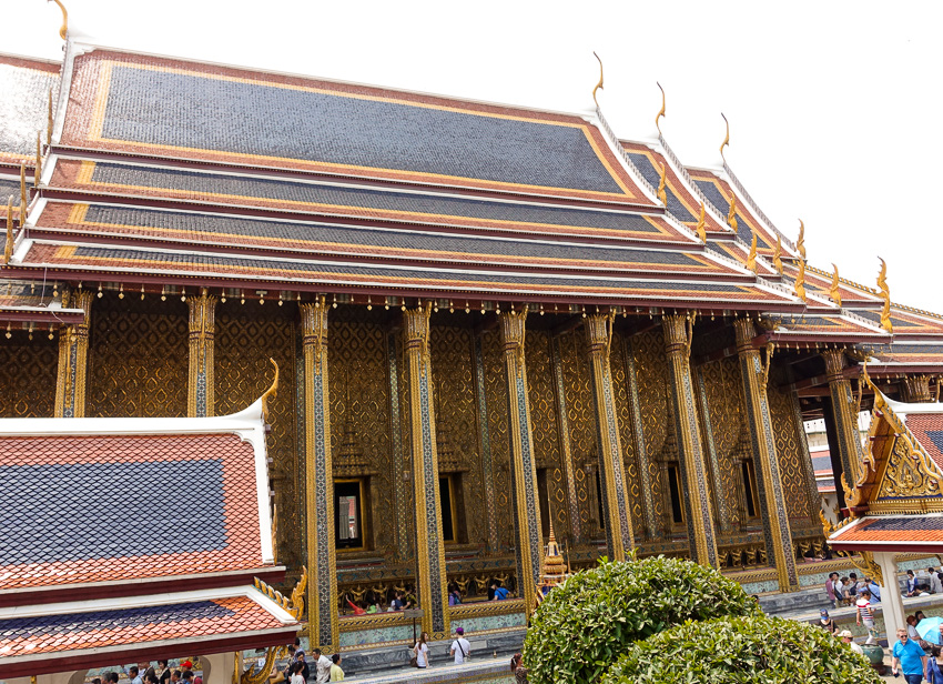 temple-of-the-emerald-buddha-exterior