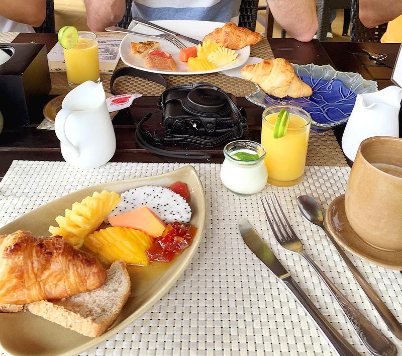 Pavillon-d'Orient-Breakfast