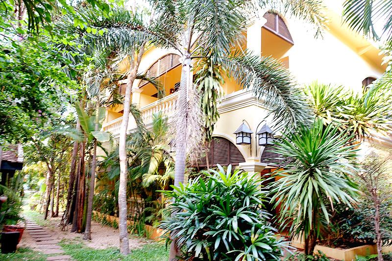Pavillon-d'Orient-Mansion-04