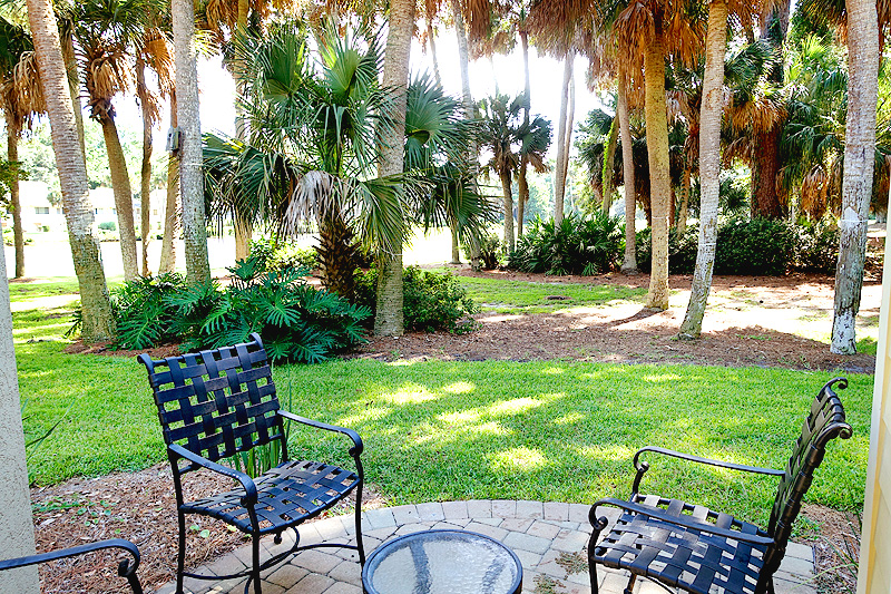 Sea-Pines-Lighthouse-Villa-Unit-6-Patio-02