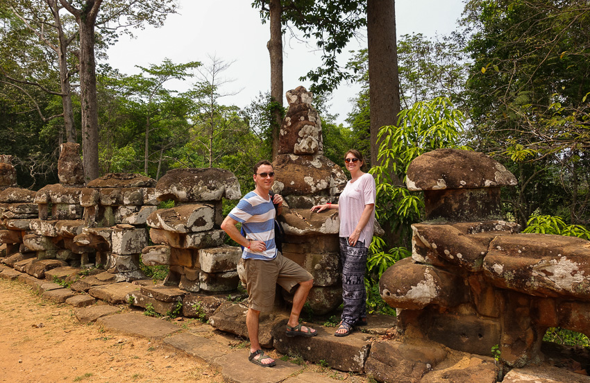angkor-tom-serpent-guardrail