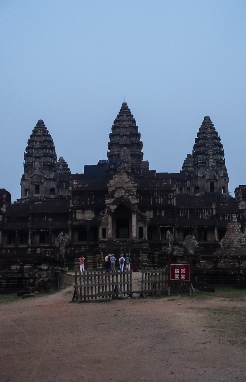 angkor-wat-early-morning