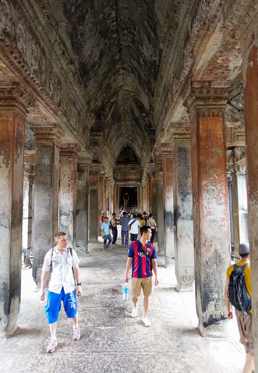 angkor-wat-hall-to-first-level