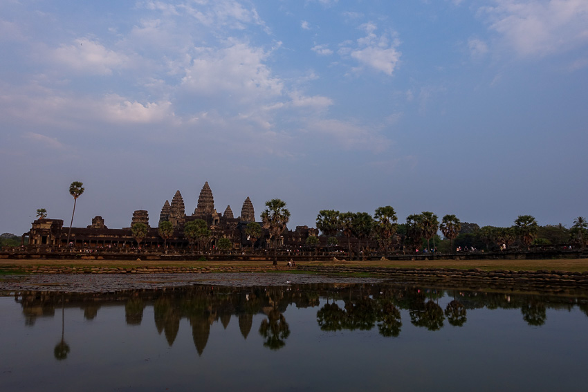 angkor-wat-reflecting-pond-2