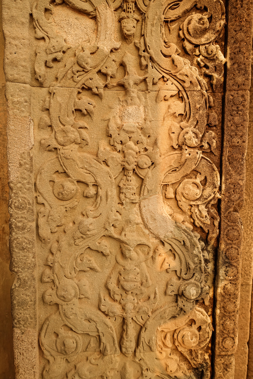angkor-wat-serpent-carvings