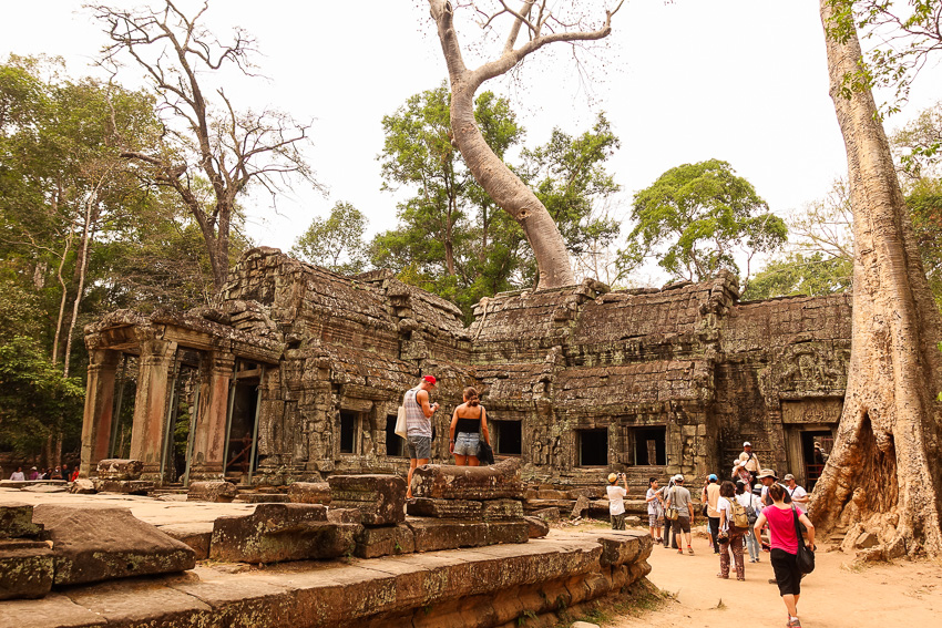 ta-prohm-entrance