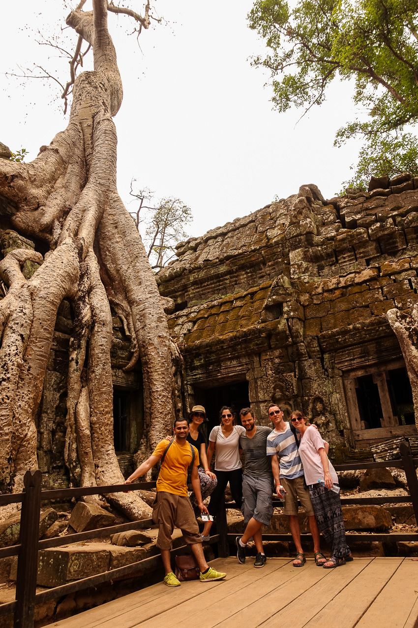 ta-prohm-group-shot-tomb-raider