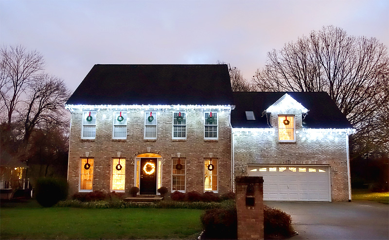 Holiday-Decor-Exterior-Lights-Illumination