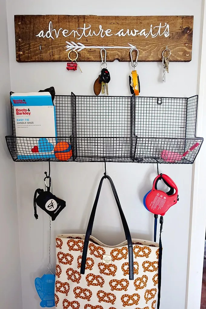 DIY Pallet Key Holder Sign