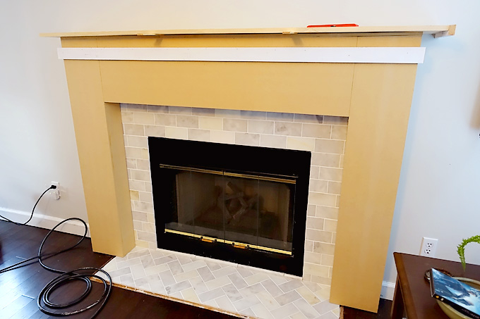 Fireplace-Makeover-DIY-Mantel-04