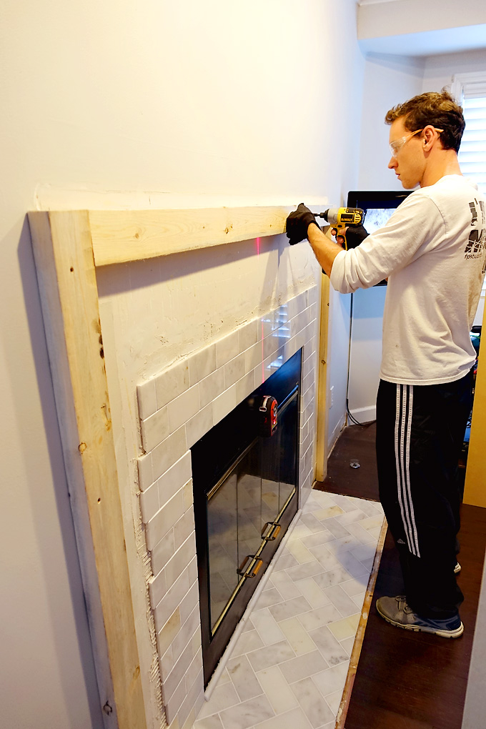 Fireplace-Makeover-DIY-Mantel-2x4-support-01