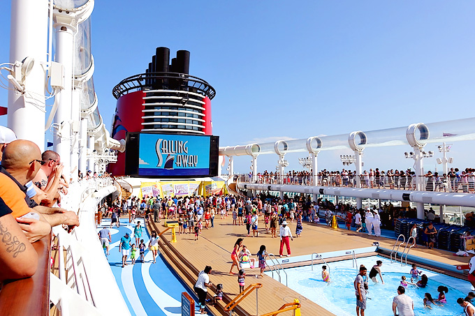 3-Day-Disney-Bahamian-Dream-Cruise-Sail-Away-Party