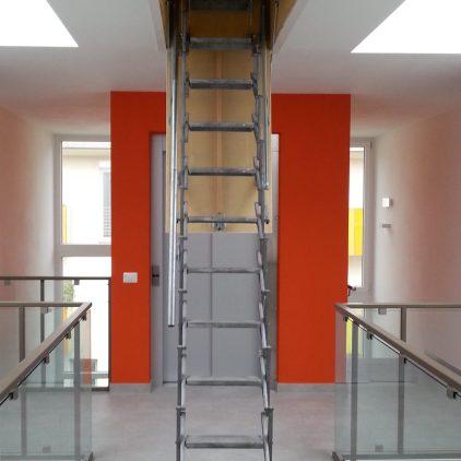 Accesso al tetto con scala retrattile