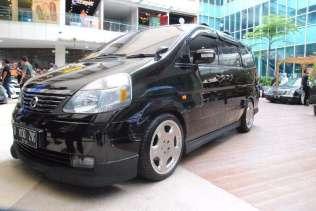 Nissan Serena (Julkifri Ahmad)