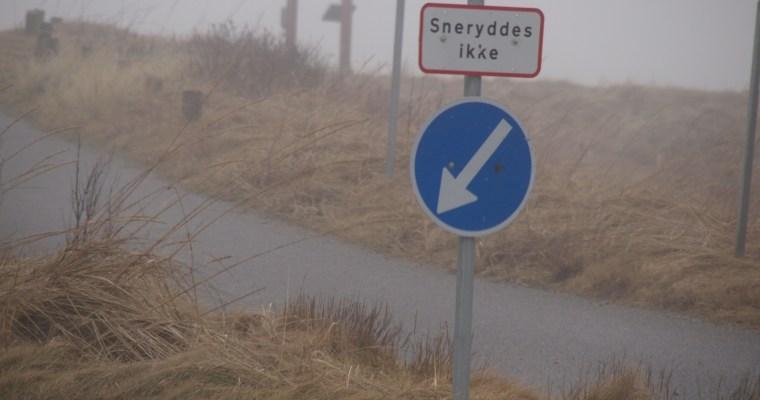 Schilder an Dänemarks Strassen  – Sneryddes ikke