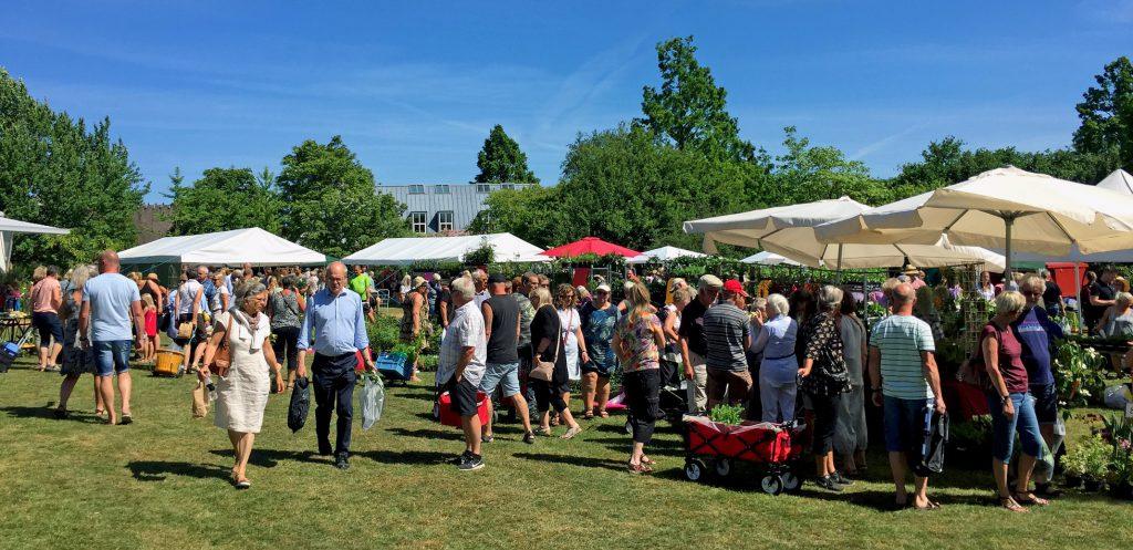 Plantemarked - Pflanzenmarkt im geografisk Have in Kolding