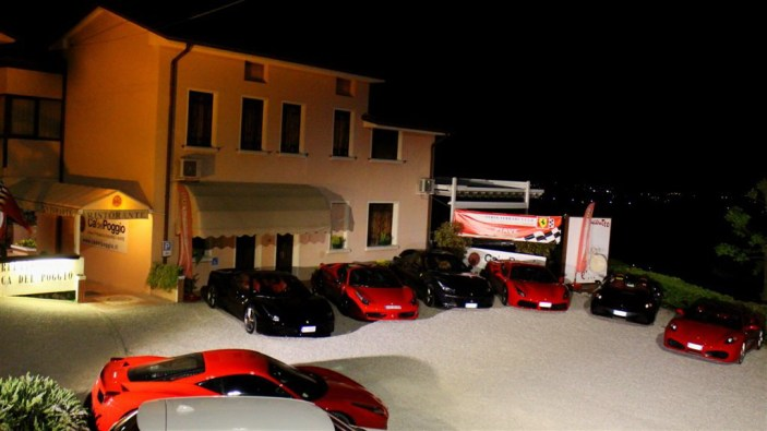 A Ca' del Poggio una serata rosso Ferrari