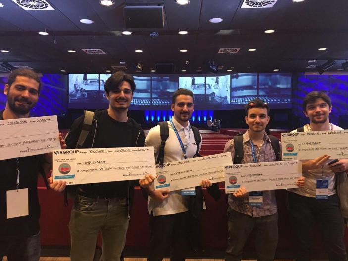 Studenti Apple Developer Academy di Napoli vincitori dell'Hackaton Var Group 2018