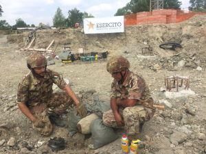 Gli artificieri dell'Esercito fanno brillare l'ordigno di Montecchio di Vallefoglia (PU)
