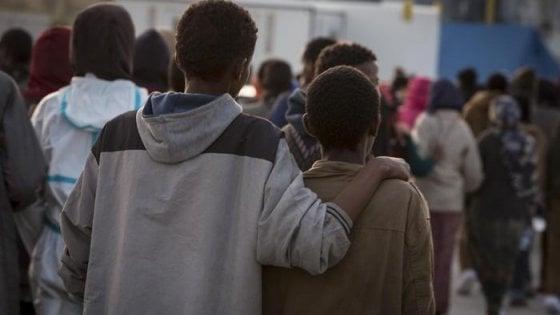 UECOOP, Migranti: Per 1 italiano su 5 vanno accolti