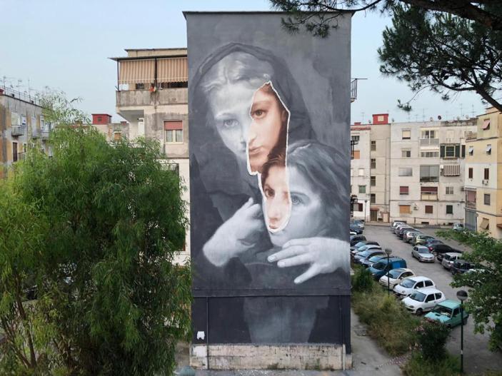 """Napoli, Murales nel quartiere de """"L'amica geniale"""""""