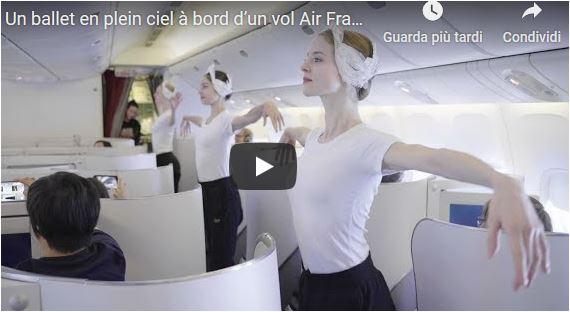 Performance ad alta quota del corpo di ballo dell'Opéra di Parigi