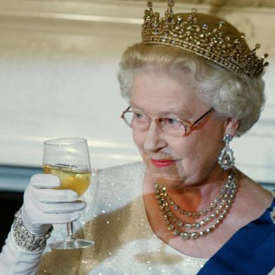La regina Elisabetta cerca cuoco per 25mila euro l'anno
