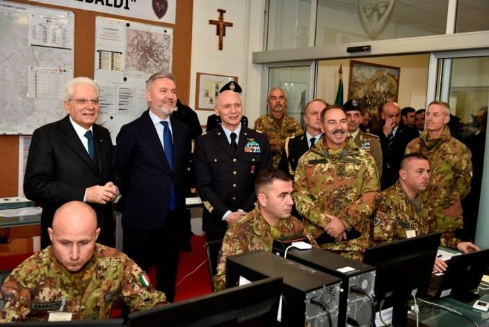 Mattarella visita lo Stato Maggiore dell'Esercito