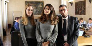 La presidentessa del consiglio degli studenti dell'Università degli studi di Verona, Elena Lucia Zumerle, in compagnia della vicepresidente, Martina Maggiolo, e del segretario Christian Pirillo