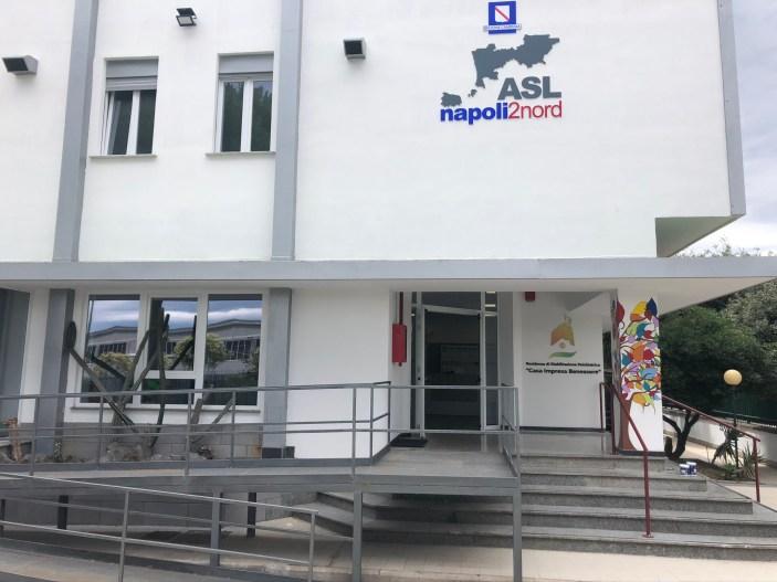 """Arzano, inaugurata """"Casa Impresa Benessere"""" dove i pazienti produrranno le cravatte Kiton"""