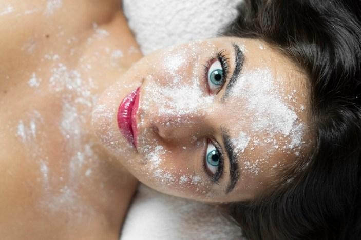 Polvere di diamanti sul viso, ecco il nuovo rituale dei vip targato Seticrei