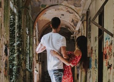 Questa fotografa ha trasformato il Manicomio Mombello in un posto romantico