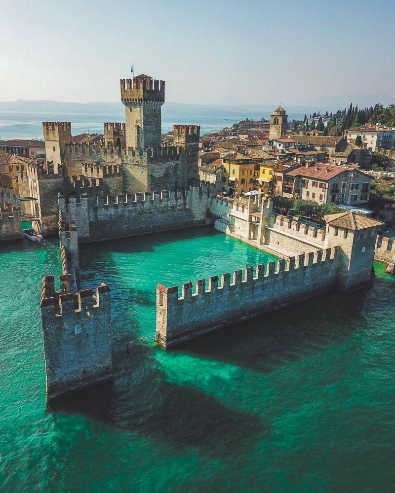 Castelli delle fiabe Italia: Castello di Sirmione