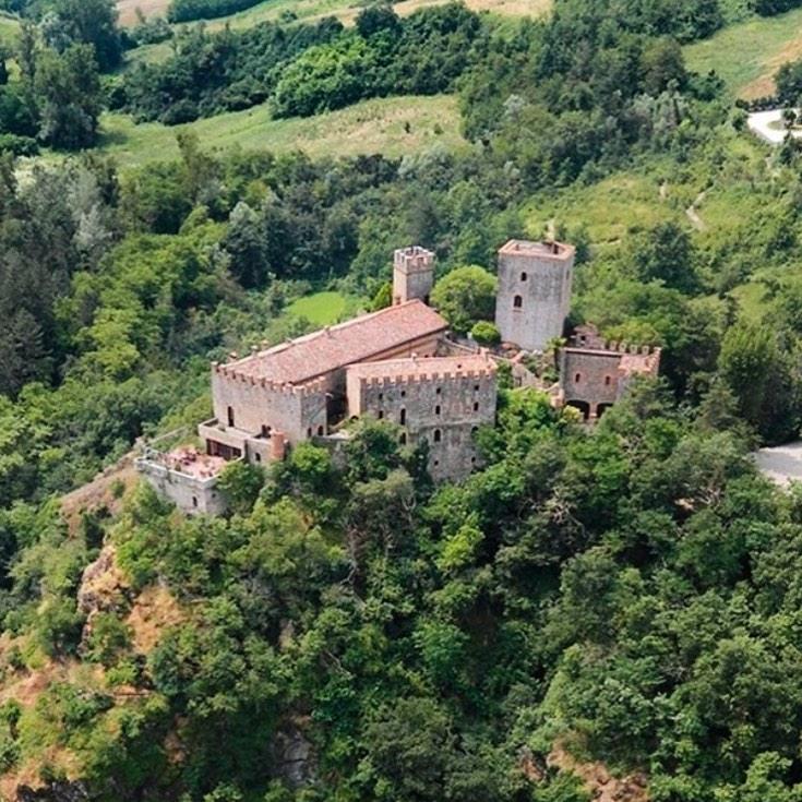 Castelli delle fiabe Italia: Castello di Gropparelo