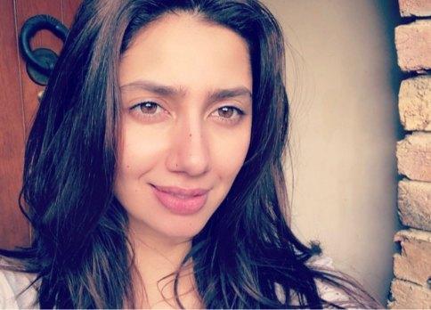 Mahira Khan with natural brows