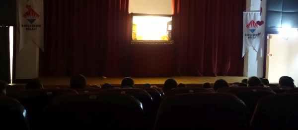 Bandırma Bahçeşehir Koleji Karagöz gösterisi