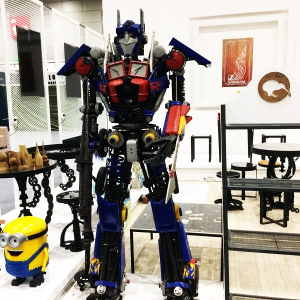 Handcrafted METAL Robot(Still Automaton), Home, Workplace, Office, Display, Decor, Demonstration, Exhibition, 1000 to 5000-mm or 39-1/2 to 197-inches, Real Auto Parts