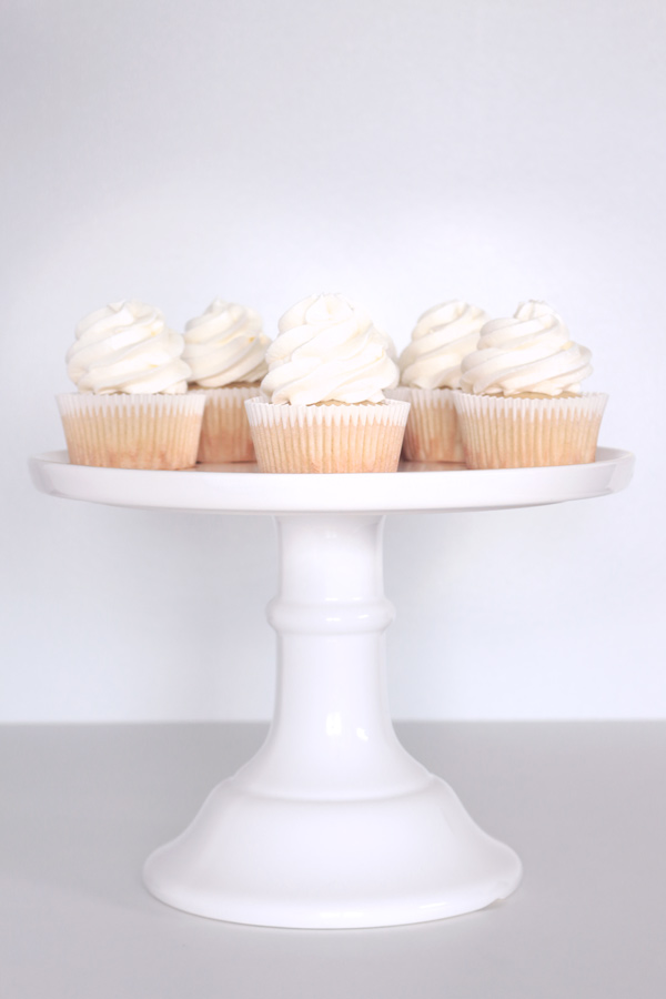 Perfect White Wedding Cupcakes   Kara s Couture Cakes white wedding cupcake recipe stand