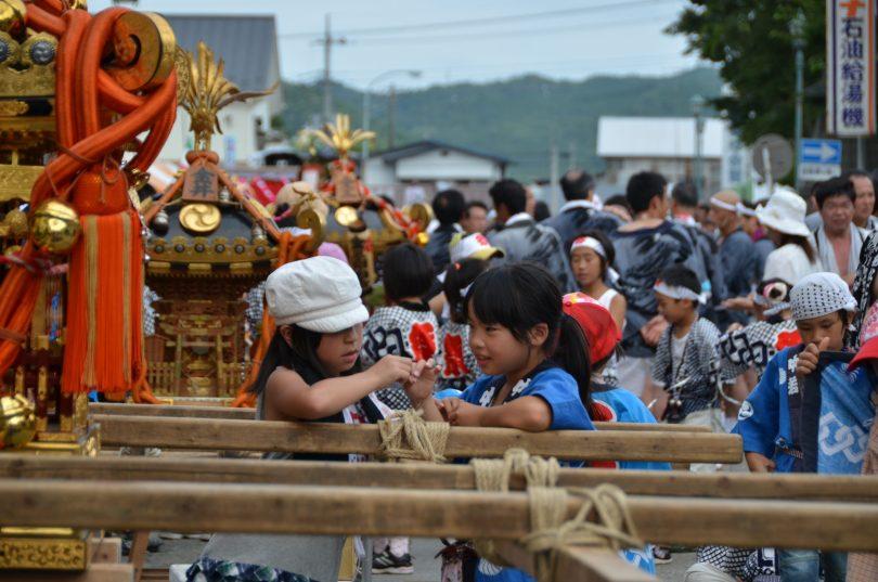 2011年 山あげ祭子供と屋台