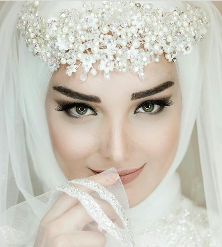 c1bd786f402ea للمحجبات.. مكياج عرائس رقيق موضة 2019 - مجلة كرز عرائس %