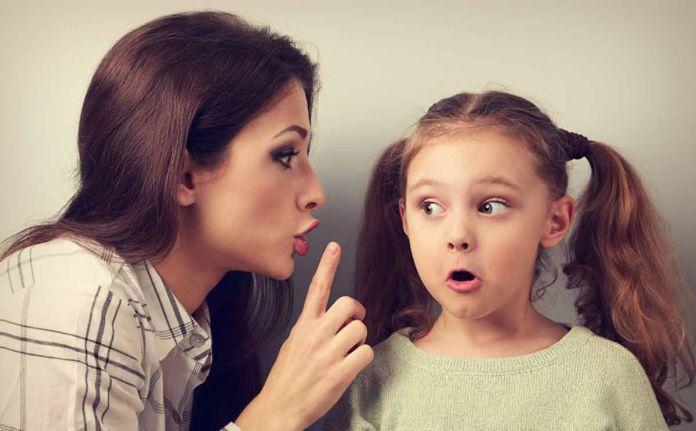 احذري قول هذه العبارات لطفلك